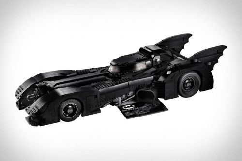 LEGO Releases Gorgeous Blacked-Out Batmobile Based On 1989 Batman Movie