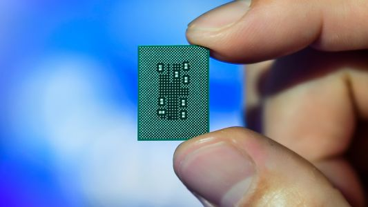 Qualcomm follows its weak computing chip with even weaker computing chips