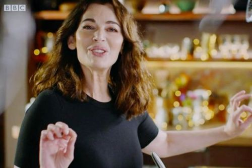 Nigella horrifies fans with 'heart attack' chocolate cake that could 'kill them'