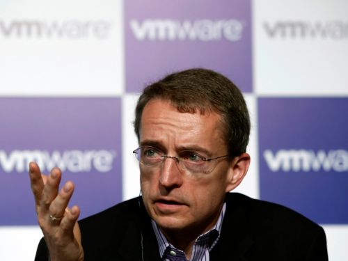 Experts say VMware is trying to get closer to developers with the $4.8 billion it's spending to acquire Pivotal and Carbon Black
