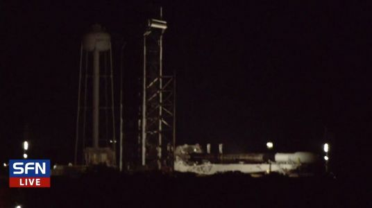 SpaceX rolls out Falcon 9 rocket for another Starlink mission