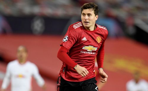 Victor Lindelof and Jesse Lingard return to Manchester United training ahead of Southampton clash