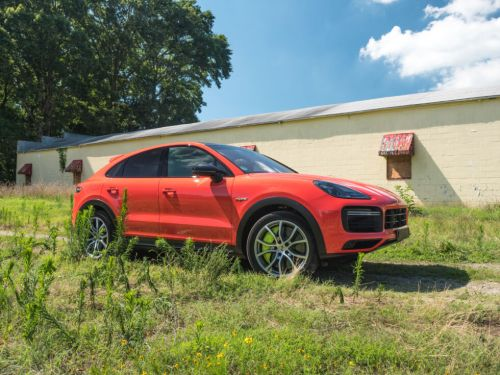 This Porsche plug-in SUV is a pricey dayglo antidepressant on wheels