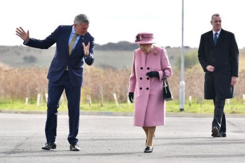 The Queen carries out first public engagement since lockdown began 7 months ago