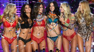 Victoria's Secret models get bra fittings on camera - and all are wearing wrong sized bras