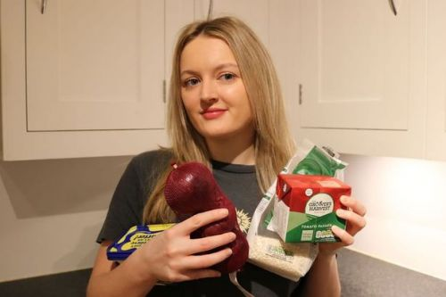 Savvy student who lives on just £1 a day shares shopping list and three recipes