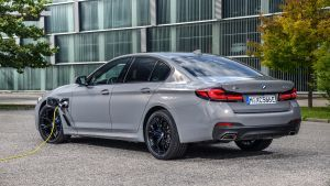 New 2020 BMW 545e PHEV: specs, details and prototype drive