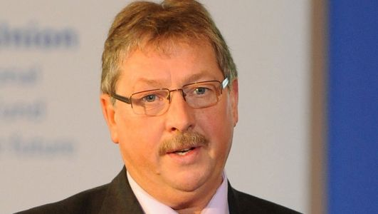 Coronavirus: DUP's Sammy Wilson defends stance on wearing of face coverings