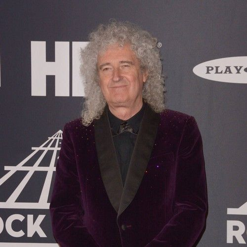 Brian May suffers heart attack