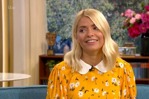 Holly Willoughby branded 'common' by This Morning boss for wine drinking habit