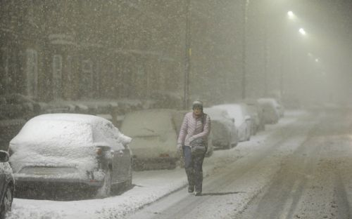 Severe weather warning as blizzards to bring 30cm of snow