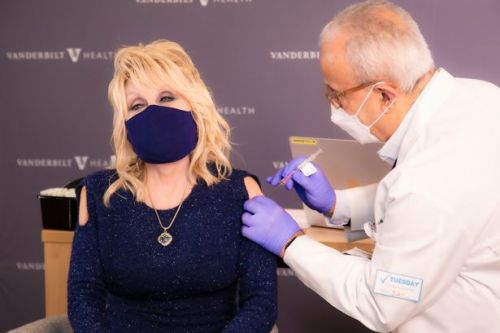 Dolly Parton reworks classic hit Jolene in brilliant bid to get fans vaccinated
