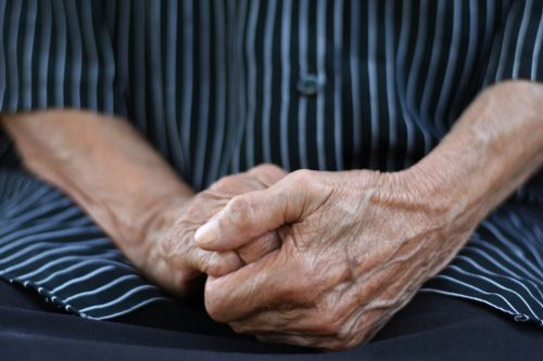 What is Alzheimer's disease, what are the causes, symptoms and signs and how is it different to dementia?