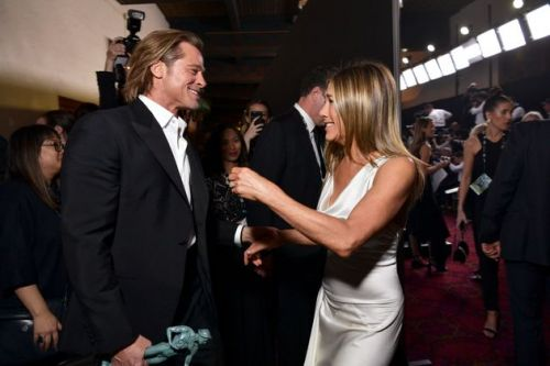 Jennifer Aniston And Brad Pitt Beaming At Each Other At The SAG Awards Will Warm The Coldest Of Hearts