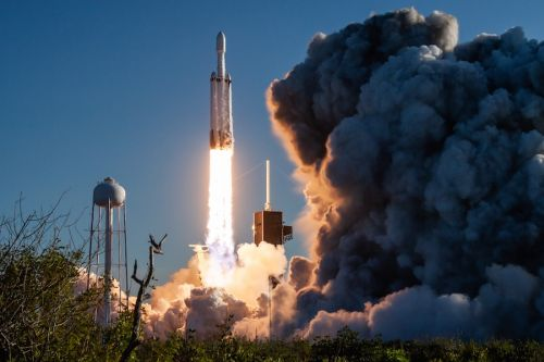 Astrobotic selects SpaceX's Falcon Heavy to launch robotic lunar lander