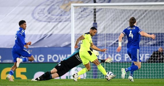 Leicester 2-4 Newcastle: Foxes swept aside at home