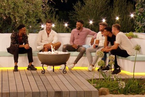 'Love Island's Toby and Liam are heroes for already showing their true colours'