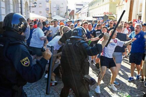 Video shows police and Rangers fans clashing in Maribor ahead of Europa League match