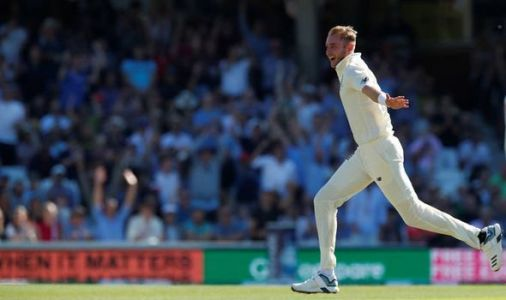 Stuart Broad takes two quick wickets to put England in control on day four at the Oval