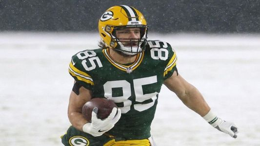 NFL Tips: Mike Carlson backs Tonyan to score as Packers beat Rams