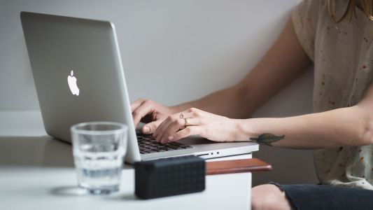 Become a freelance writer with this top training bundle