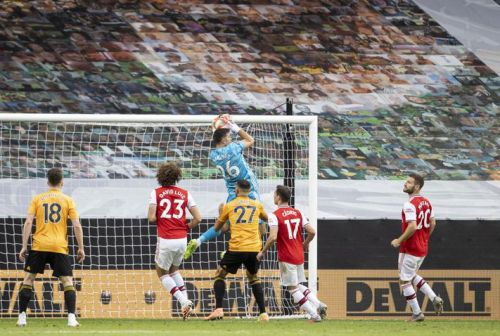 Arsenal goalkeeper hints he might leave, Chelsea could be alerted
