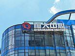 Evergrande shares dive as trading resumesfollowing 17-day suspension