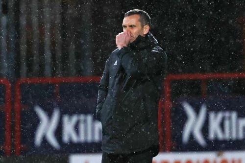 Gloomy Stephen Glass reacts to brutal Aberdeen fan chants and admits 'you don't last long if you don't win games'