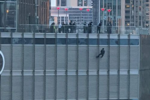Man dangles from 98-storey Trump Tower by rope 'demanding to speak to President'