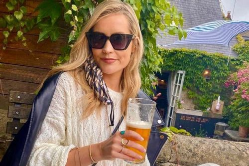 Laura Whitmore and Holly Willoughby among stars to hit the pub on Super Saturday