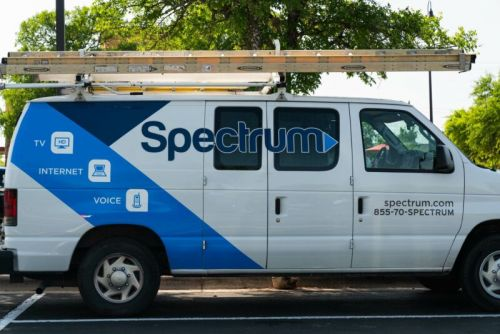 Charter can charge online video sites for network connections, court rules