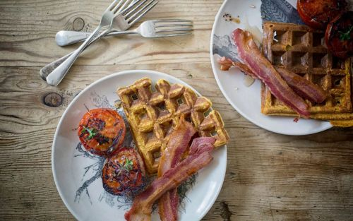 Butternut waffles with bacon and tomatoes recipe