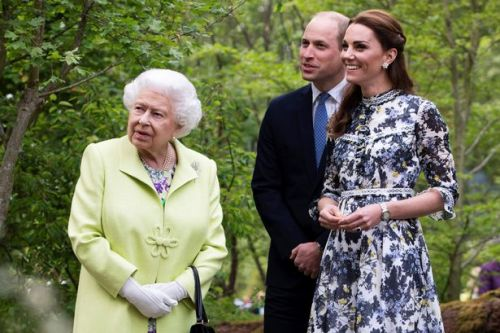 The adorable surprise the Queen has planned for Kate and Will's anniversary