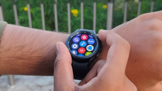 Samsung Galaxy Watch 4 gets more features to make it a better Apple Watch 7 rival