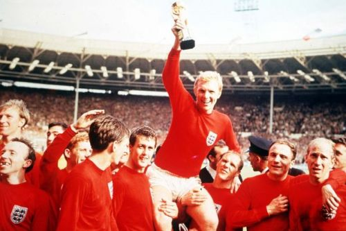 Jack Charlton's brother calls for knighthood to include all 1966 England heroes