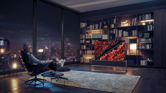 LG rollable TV, the Signature OLED TV R is now available in the UAE