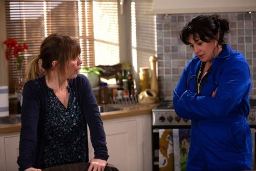 Emmerdale's Rhona Goskirk betrays Moira Dingle with worrying Nate decision