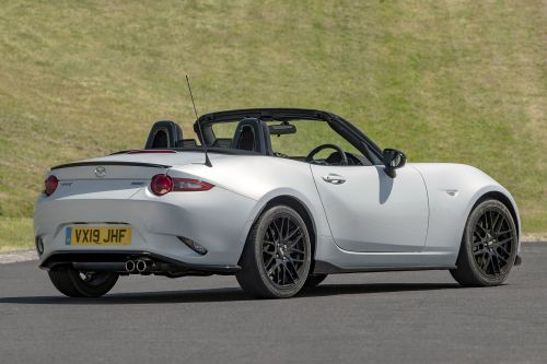 New Mazda MX-5 Cup and Design styling packs released