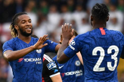 Premier League new boys line up move for £4M-rated Chelsea midfielder