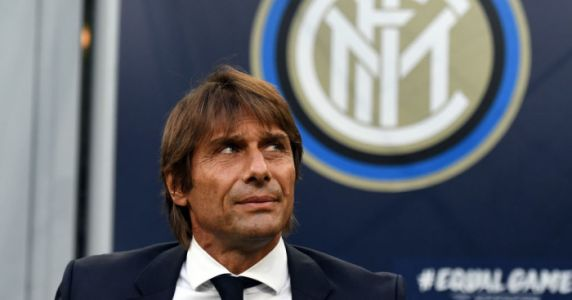 Chelsea star still awaiting green light from former boss to seal €25m exit