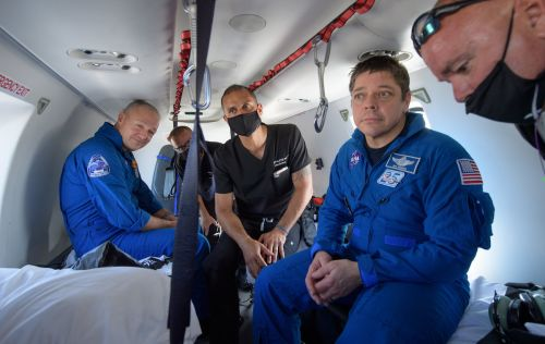 Dragon astronauts describe sounds and sensations of return to Earth