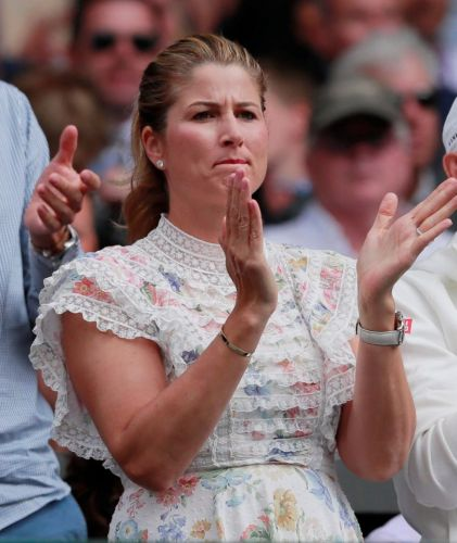 Mirka cheers on Federer at Wimbledon final. but fans wonder where Djokivic's wife Jelena is