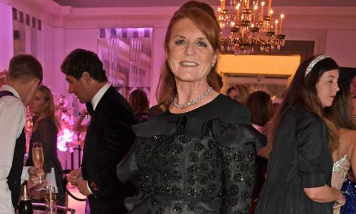 Sarah, Duchess of York shares new family photo with inspiring message about 'looking ahead'