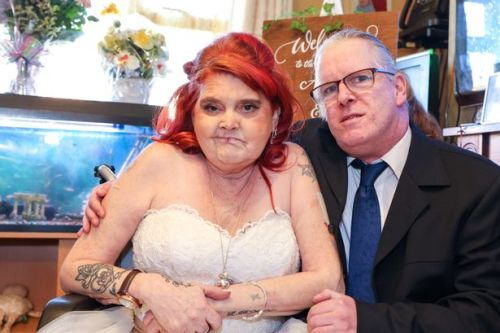 Terminally ill bride gets married to her love after wedding organised in just 48 hours